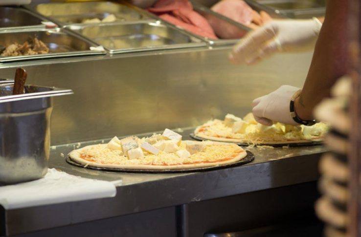 Pizzeria italiaans restaurant la grotta terschelling midsland - Serveren eiland keuken ...